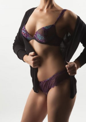Tessa transsexual escorts in Laurentian Valley